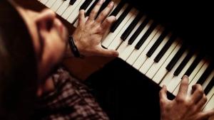 発声・ピッチトレーニングは鍵盤楽器を使って